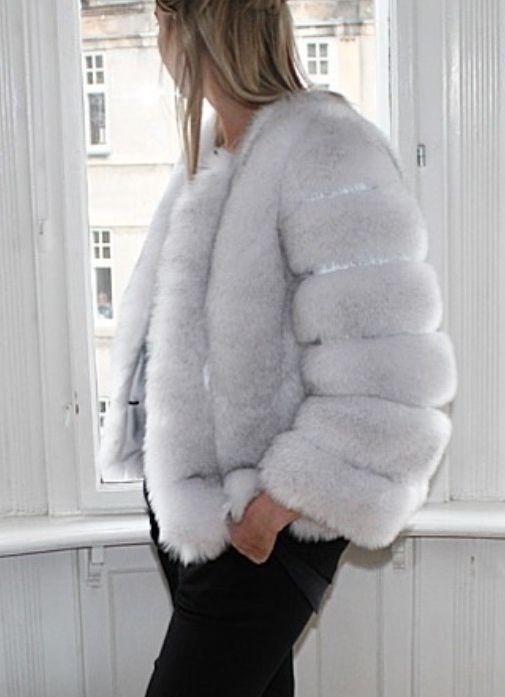 Faux fur pelsjakke kort lys grå